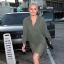 Lindsey Vonn – Arrives for dinner at Craig's in West Hollywood - 454 x 650