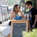 Lauren Conrad meeting Kyle Howard for lunch