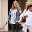 Sienna Miller was spotted walking her dog around New York City yesterday (September 22).
