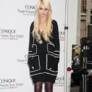 Taylor Momsen Announcing The Clinique Fresh Faces Tour 2009