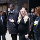Carrie Underwood – L leaving Good Morning America in New York City - 454 x 793