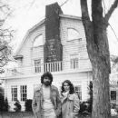 James Brolin and Margot Kidder in The Amityville Horror (1979) - 240 x 300