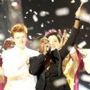 Fantasia Barrino Wins American Idol - 380 x 400