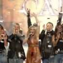 Carrie Underwood wins American Idol Season 4