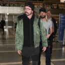 Dave Grohl is seen at LAX on February 21, 2017 - 400 x 600