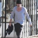 Colin Farrell leaves a yoga class in Los Angeles, California on December 24, 2013