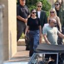 Selena Gomez – Out for lunch with friends at Nobu in Malibu - 454 x 303