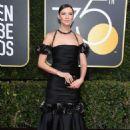 Caitriona Balfe – 2018 Golden Globe Awards in Beverly Hills - 454 x 658