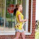 Jamie-Lynn Spears - Leaving Connie's Jewelry & Gifts Store, 2008-04-10