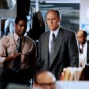 Denzel Washington and John Lithgow  in The Pelican Brief (1993) - 454 x 303