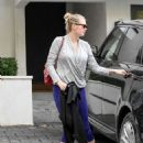 Kate Upton – Seen out in Los Angeles - 454 x 585