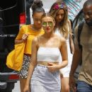Perrie Edwards and her bandmates from 'Little Mix' treat fans to an acoustic version of their song 'Black Magic' after lunch in Burbank, California on August 6, 2015 - 446 x 600