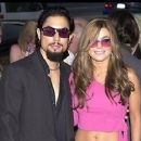 Carmen Electra and Dave Navarro - 294 x 255