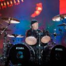 Lars Ulrich of the band Metallica performs live on stage at Autodromo de Interlagos on March 25, 2017 in Sao Paulo, Brazil. - 454 x 303