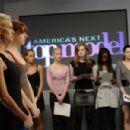 """America's Next Top Model"" (2003) - 454 x 301"