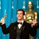Mel Gibson At The 68th Annual Academy Awards (1996) - 400 x 367