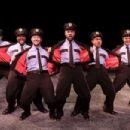 The Full Monty 2000 Original Broadway Cast Starring Patrick Wilson - 454 x 303