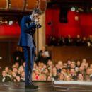 Eddie Redmayne- February 22, 2015-Behind the Scenes at the Oscars - 454 x 347