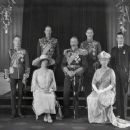 Queen Mary and King George V - 454 x 376