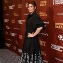 Debra Messing – Roundabout Theater's 2020 Gala in NYC - 454 x 662