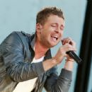 Ryan Tedder - 454 x 350