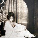Gladys Hurlbut - 454 x 586