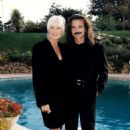 Yanni and Linda Evans - 454 x 651