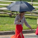 Catherine Zeta Jones – On the set of 'Queen America' in Atlanta - 454 x 681
