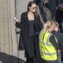 Angelina Jolie at London's Heathrow airport (May 17, 2018) - 454 x 627