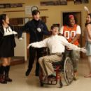 """2009 Fall TV Preview - """"Glee"""" Photo Gallery"""