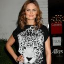Emily Deschanel - Los Angeles Eco Garden Picnic & Screening Of 'Home' - The Stella McCartney Store In West Hollywood, California 2009-06-05
