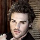 Grey Damon - 359 x 640
