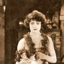 The Fast Set - Betty Compson - 454 x 564