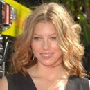 Jessica Biel attends The 2007 MTV Movie Awards - 452 x 612