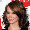 "Jennifer Love Hewitt - Opening Of ""Hanes Comfortique Store"""