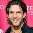 Billy Currington - 240 x 320