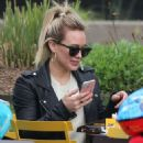 Hilary Duff out in New York City - 454 x 637
