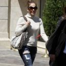 Jennifer Lopez: Grove Gal