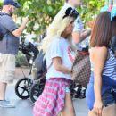 Jessica Simpson in Shorts at Disneyland - 454 x 681