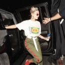 Hailey Baldwin – Arriving to John Mayer private party in Los Angeles - 454 x 632