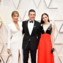 Nicole Kimpel, Antonio Banderas and Stella Banderas At The 92nd Annual Academy Awards - Arrivals - 400 x 600