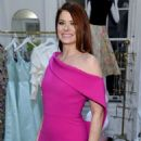 Debra Messing – Christian Siriano New Store Launch in NYC - 454 x 684