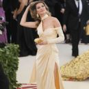 Gisele Bundchen – 2018 MET Costume Institute Gala in NYC