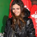 Rachel Bilson was spotted out in New York City helping boost the holiday economy yesterday (December 11).