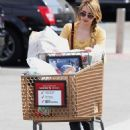 Emma Roberts: Grocery Gal