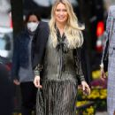 Hilary Duff – Filming 'Younger' in NYC