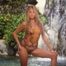 Kim Basinger - 454 x 454
