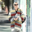 Ashlee Simpson wears a colorful coat to the gym in LA - 454 x 762