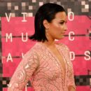 Demi Lovato At The 2015 MTV Video Music Awards - Arrivals - 400 x 600
