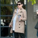 Ginnifer Goodwin is seen out and about while pregnant on March 3, 2016 - 403 x 600